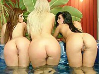 Tarts Donna Bell & Honey Demon play in the jacuzzi